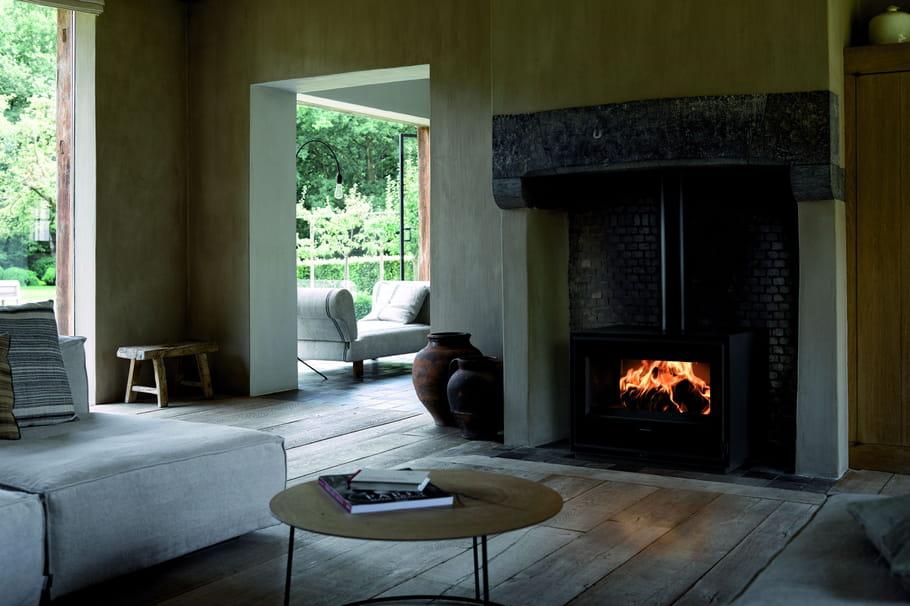 po le bois vs po le granules lequel choisir. Black Bedroom Furniture Sets. Home Design Ideas