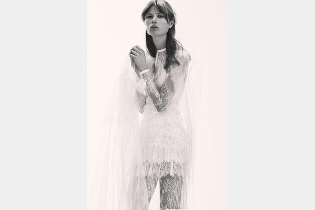 Une robe de mariée stylée