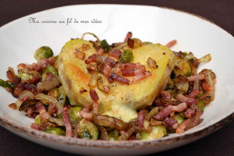 Pommes de terre gratinées au fromage de Herve, choux de Bruxelles et lardons grillés