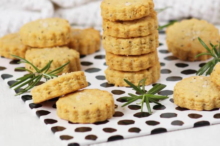 Crackers apéritif parmesan-romarin
