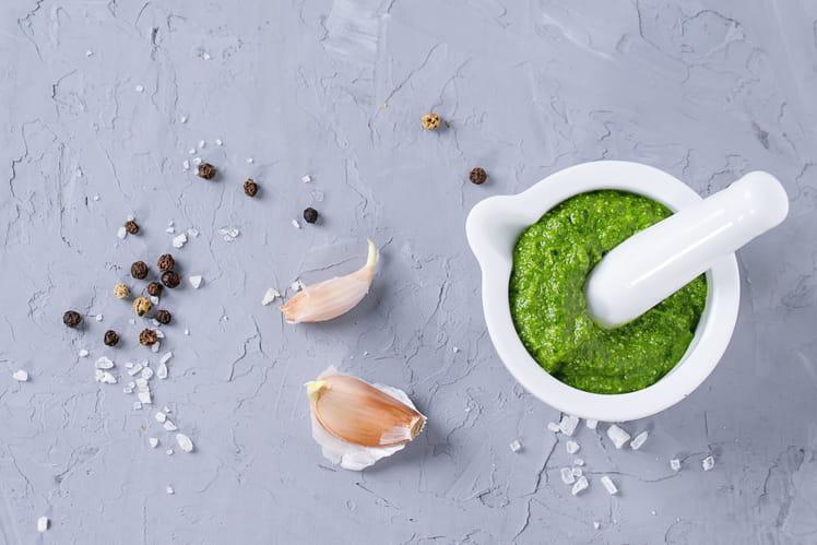 Sauce à l'ail vert