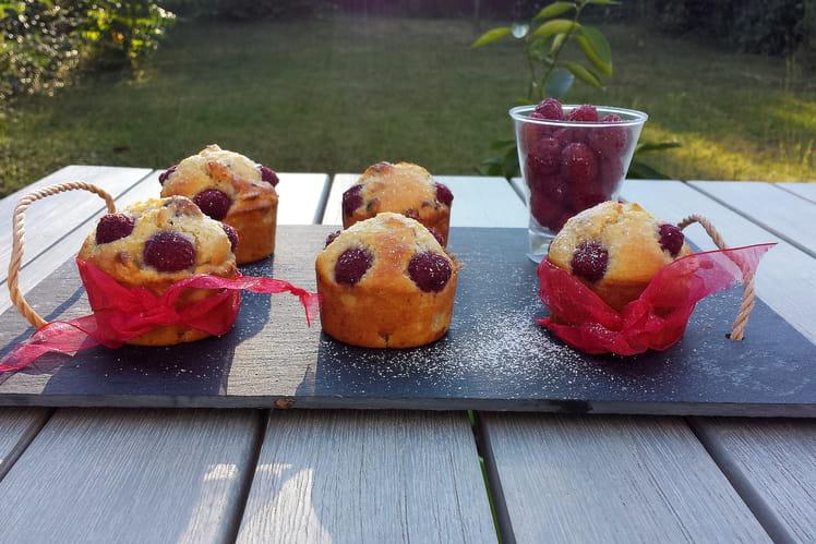 Muffins framboises et noisettes