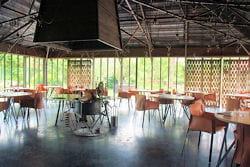 l'intérieur du restaurant la grenouillère