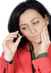 des traitements de fond existent contre les aphtes récidivants.