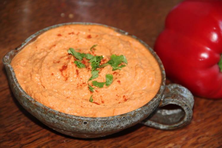 Houmous épicé aux poivrons rouges et pois chiches