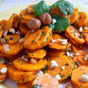 carottes sautées aux noisettes grillées