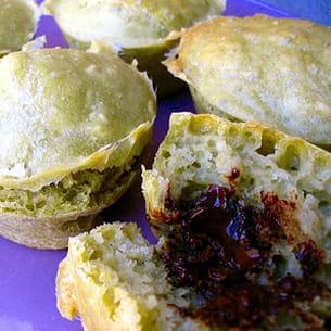 muffins au thé matcha, cœur au chocolat