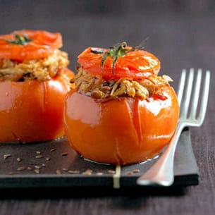 tomates farcies au poulet et à l'oignon confit