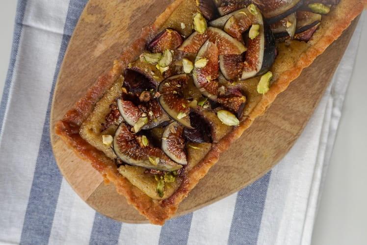 Tarte gourmande aux figues et aux pistaches