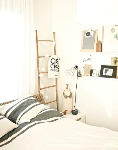 des objets déco personnalisés dans une chambre