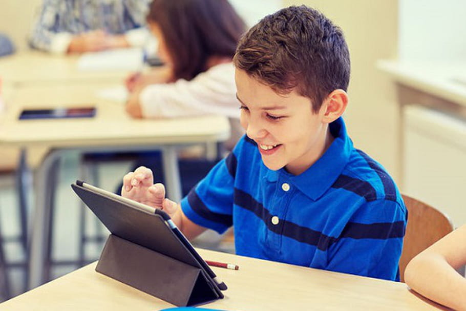 Les élèves équipés de tablettes à la rentrée