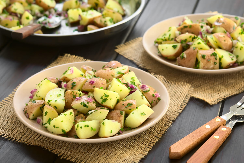 Comment faire une savoureuse salade de pommes de terre?