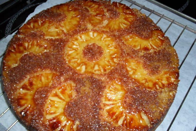 Gateau à l'ananas et noix de coco caramélisé
