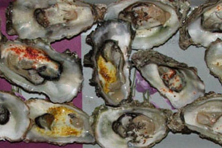 Amuse-bouches d'huîtres chaudes