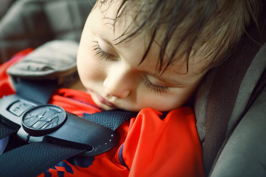 Canicule chez l'enfant: symptômes d'alerte, conseils anti chaleur