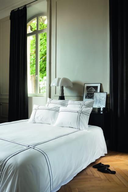 L'objet du désir: la parure Couture Carré Blanc