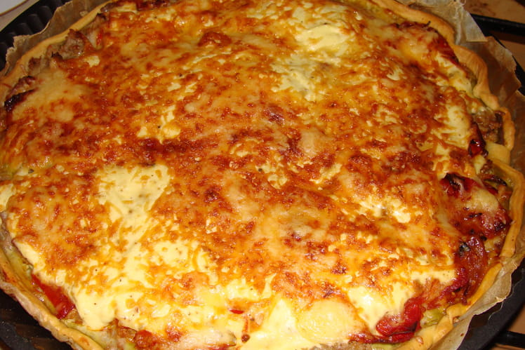Tarte au thon, tomates et moutarde verte