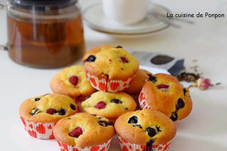 Muffin aux framboises, myrtilles et mascarpone