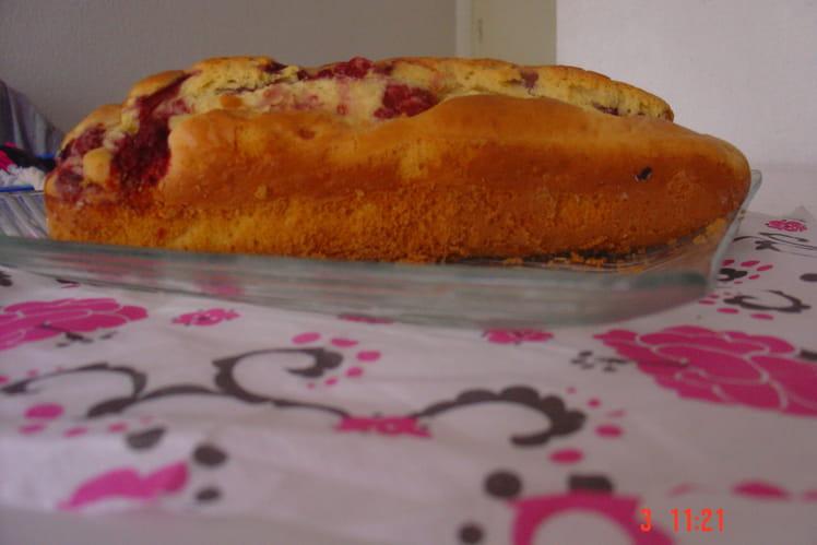 Cake danette chocolat blanc et framboises