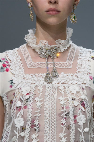 Giambattista Valli (Close Up) - photo 3