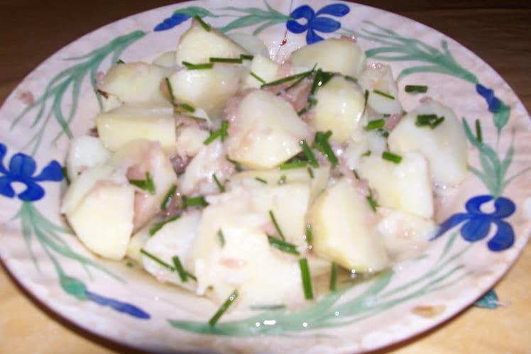 Salade de pommes de terre, échalotes et ciboulette