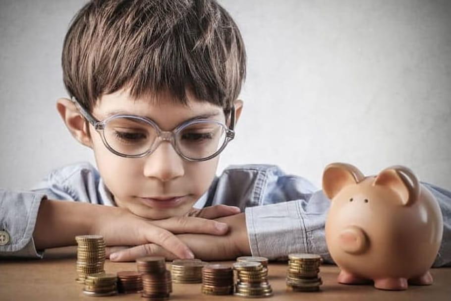 Argent de poche: quelle somme donner à son enfant et à quel âge?
