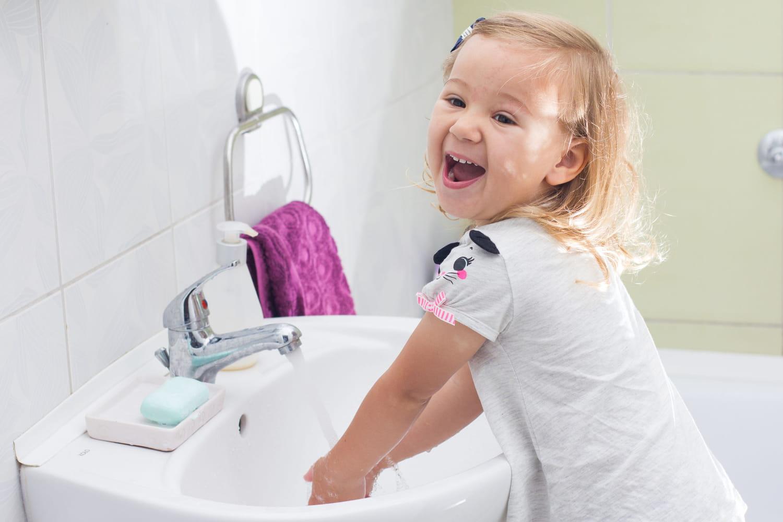 5astuces pour lui apprendre à bien se laver les mains