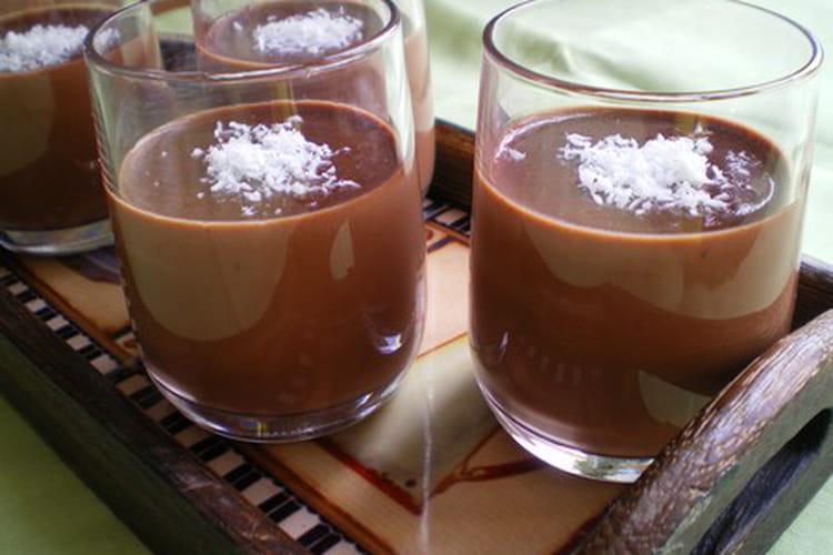 Panna cotta au chocolat et noix de coco