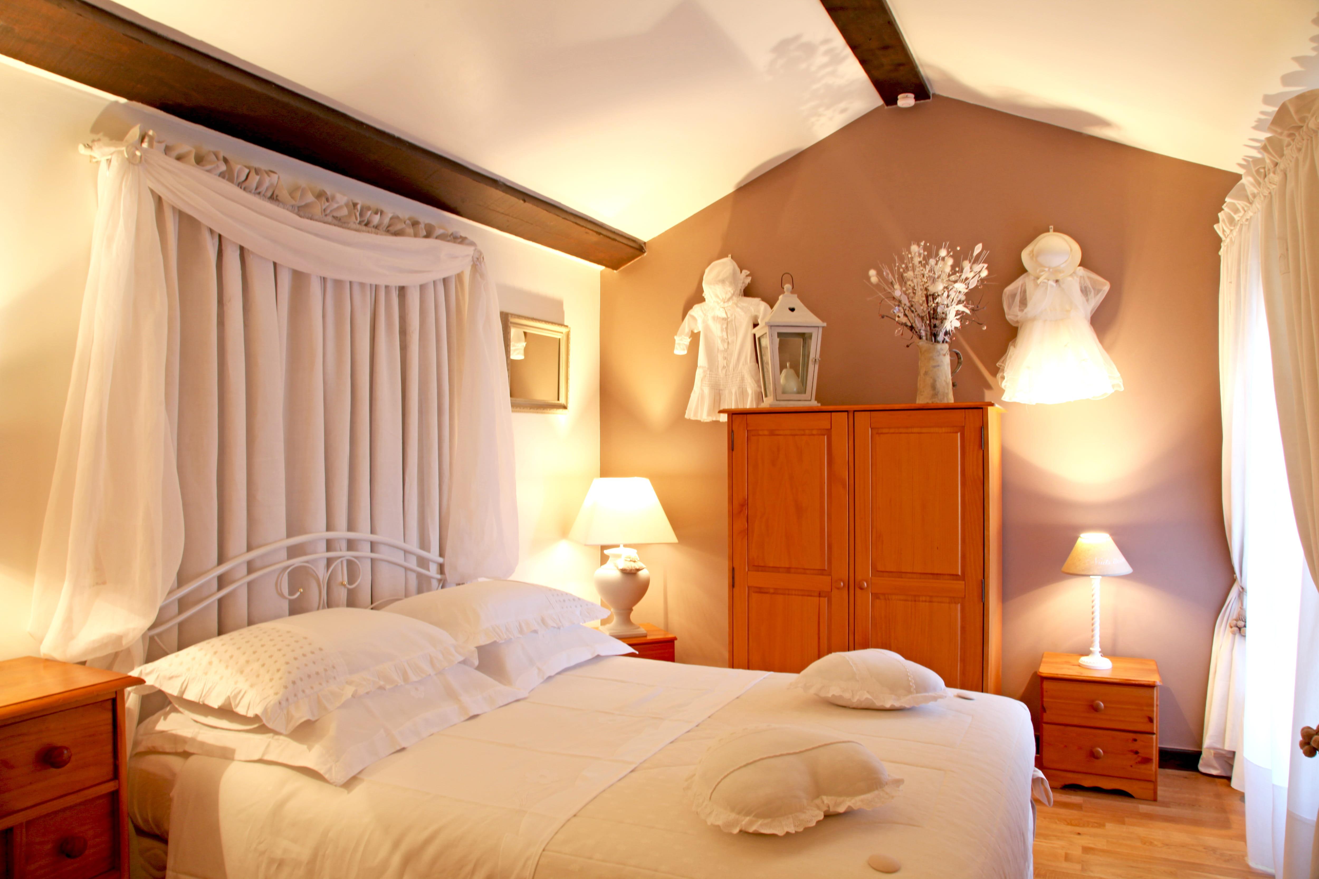 Fabriquer Ciel De Lit 14 idées pour décorer et mettre en valeur son lit