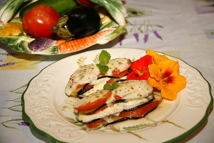 Millefeuille d'aubergines tomates et mozzarella