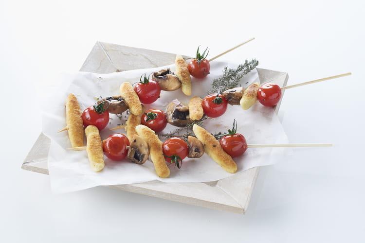 Brochettes de mini quenelles aux tomates cerises et champignons