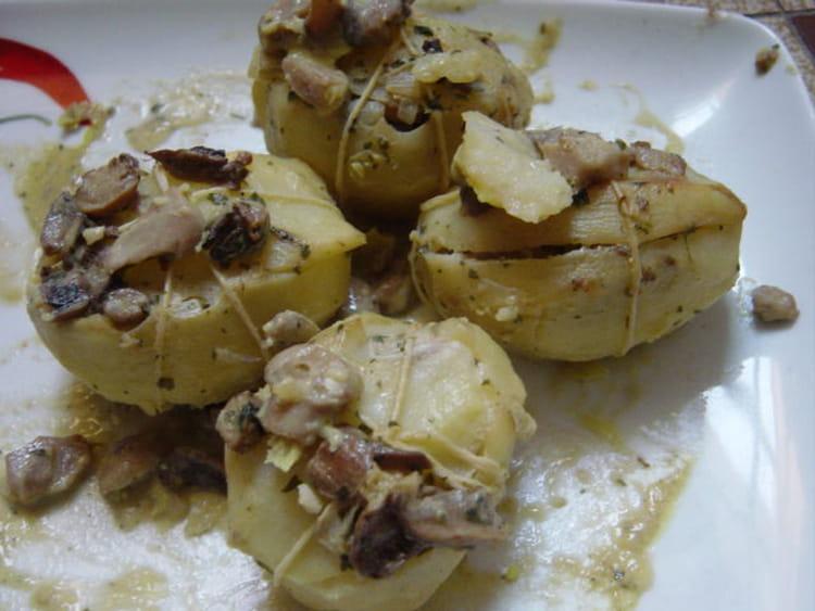 Recette de Pommes de terre farcies aux champignons