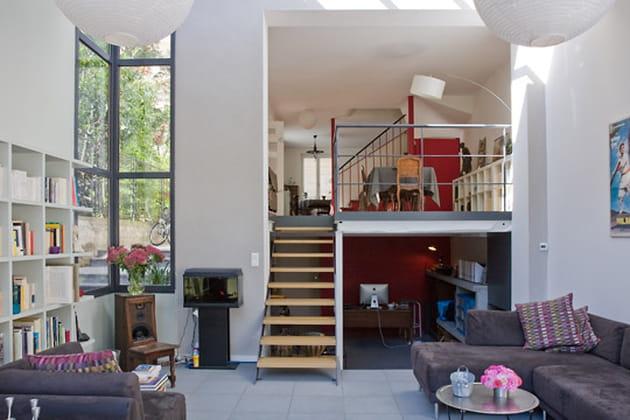 une mezzanine mi hauteur. Black Bedroom Furniture Sets. Home Design Ideas