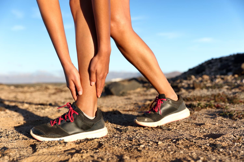 Fracture de fatigue(pied, genou): symptômes, temps de guérison