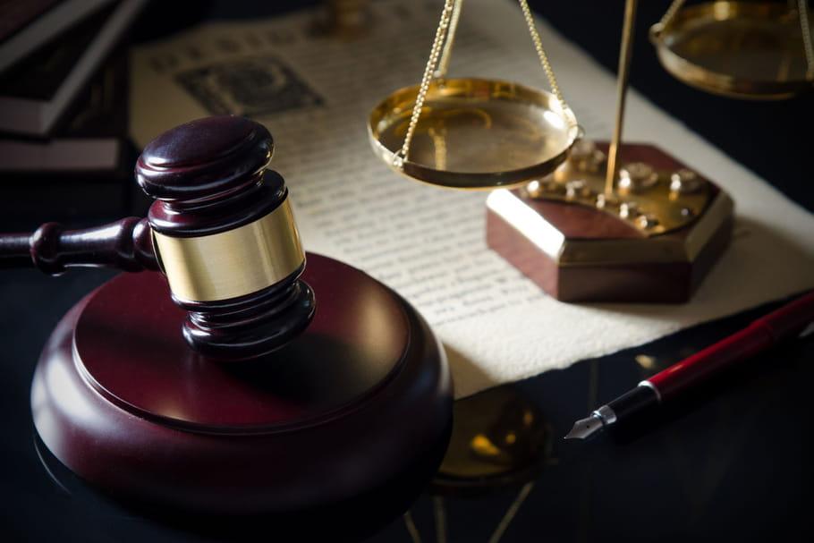 Egalité femmes-hommes: une pétition pour modifier la Constitution