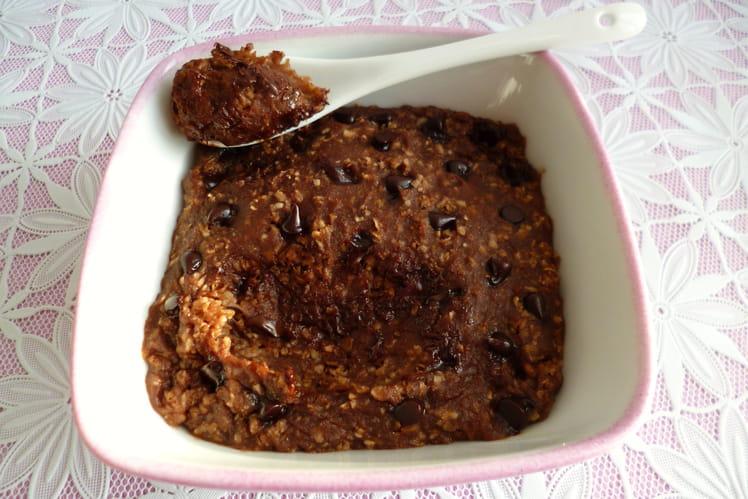 Bowl cake noisette amande pépites de chocolat avec son d'avoine et psyllium