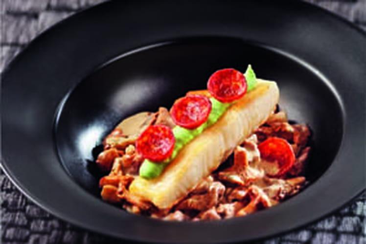 Pavé de légine rôti, purée de fèves et pétales de chorizo