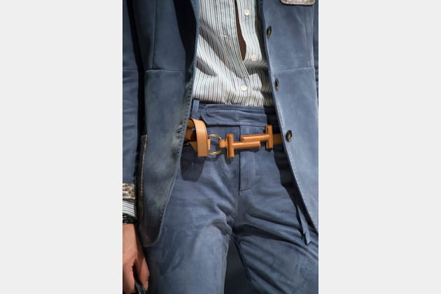 La ceinture double T du défilé Tod's