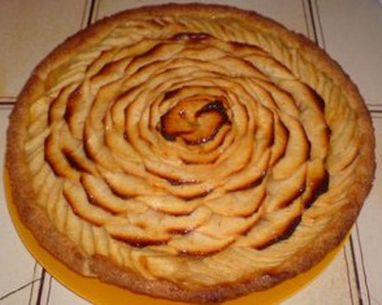 Recette de tarte aux pommes 100 maison la recette facile - Tarte soleil aux pommes ...