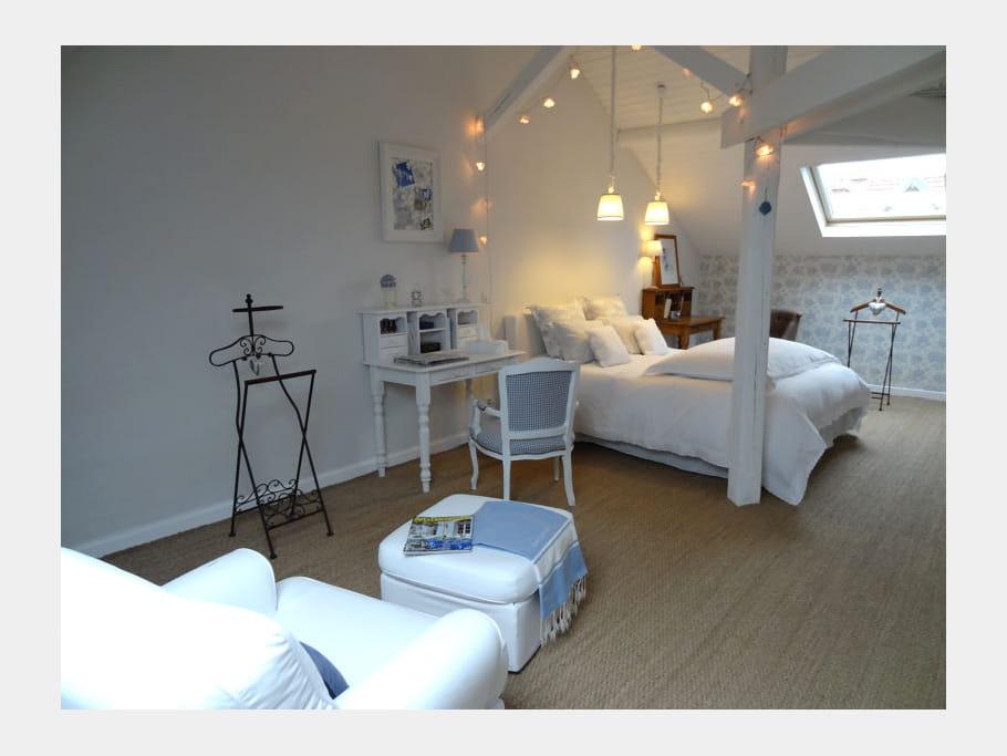 bleu pastel des chambres romantiques pour calins et plus. Black Bedroom Furniture Sets. Home Design Ideas