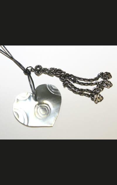Créez vos bijoux pour les fêtes: enfiler un deuxième cœur