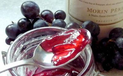 gelée de raisins à la crème de cassis