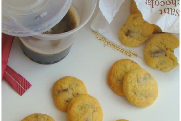 Mini cookies aux éclats de chocolat au lait