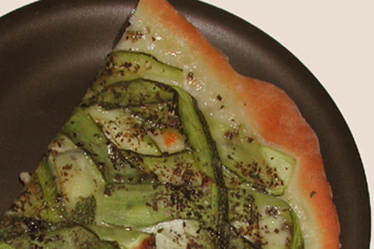 Pizza courgettes-jambon cru