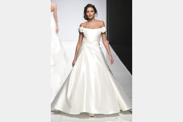 Robe de mariée satinée, Alan Hannah