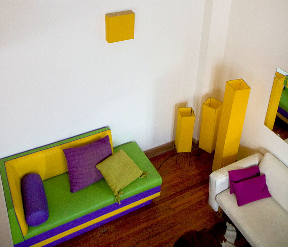 le jaune au mur comment faire. Black Bedroom Furniture Sets. Home Design Ideas