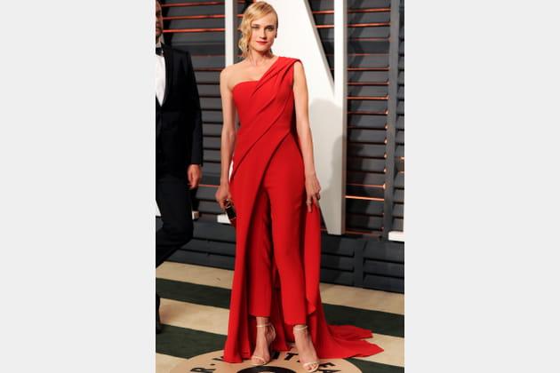 Diane Kruger en combinaison rouge de Donna Karan Atelier