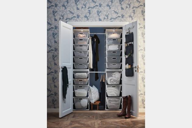dressing avec paniers et porte manteaux. Black Bedroom Furniture Sets. Home Design Ideas