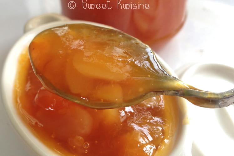 Confiture d'abricots, citron et amandes effilées