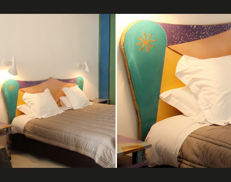 Une tête de lit bien encadrée